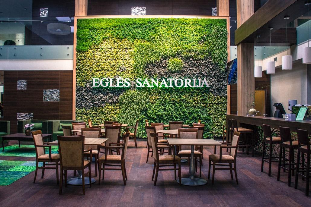 Žalioji siena Eglės sanatorijos foje