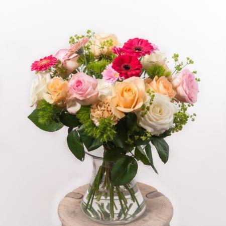 """Gėlių puokštė """"Dovana mamai"""" vazoje"""