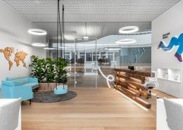 Biuro dekoras augalais – Makaliaus kelionių studija